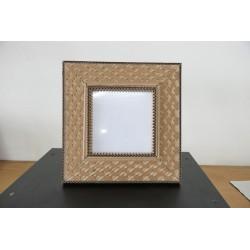 Portafoto con cartone ondulato